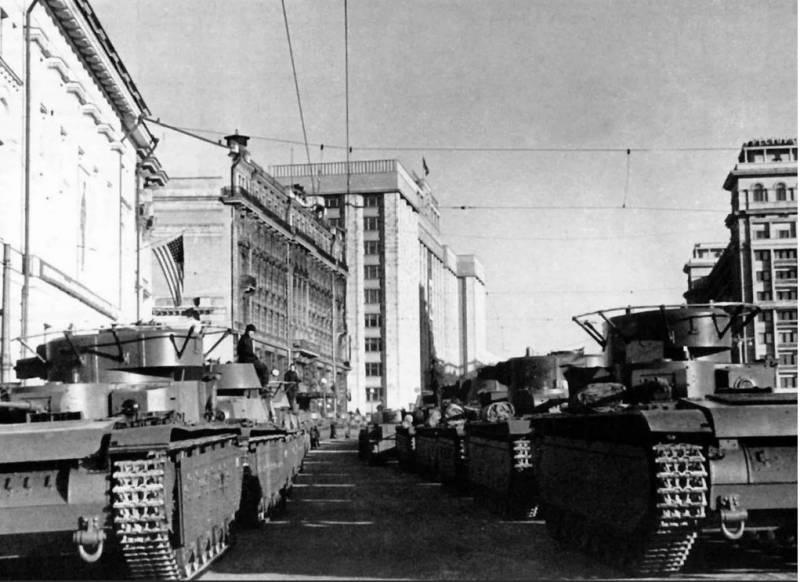 Призрак Тухачевского бродит по России