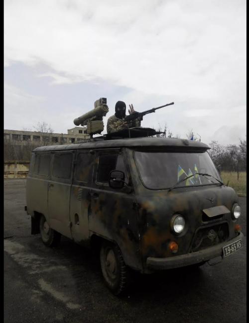 UAZ da Ucrânia com ATGM e PKM