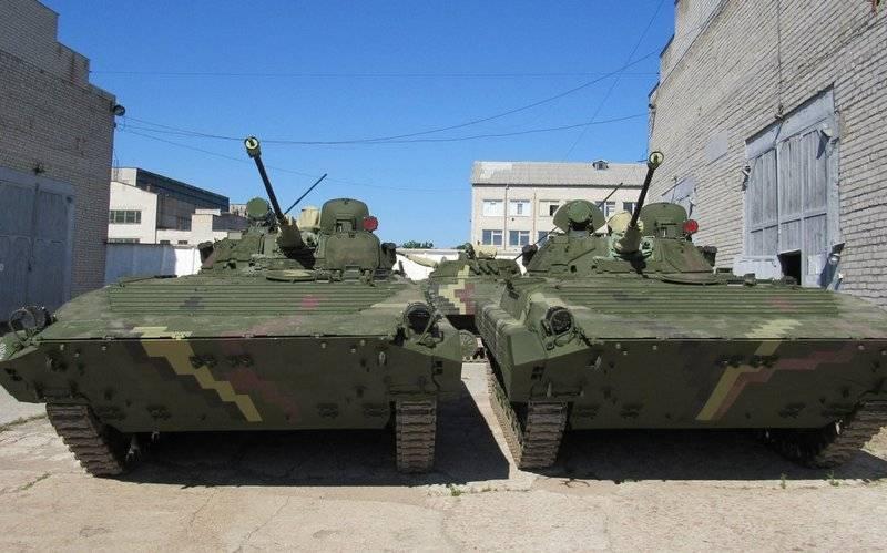 우크라이나 군대는 수리 된 BMP-1 및 BMP-2 배치를 받았습니다.