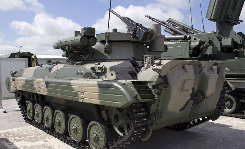 """Das Verteidigungsministerium erhält mehr als 120 BMP-2M mit einem Kampfmodul """"Berezhok"""""""