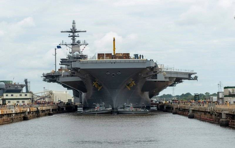 """American aircraft carrier """"George HW Bush"""" launched after repair"""