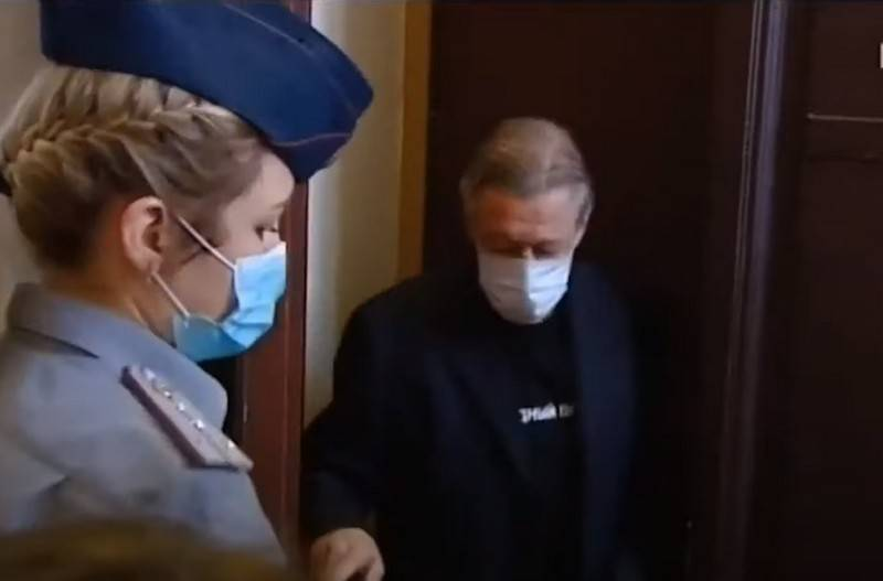 Mikhail Efremov pleaded guilty to road accident at a court hearing