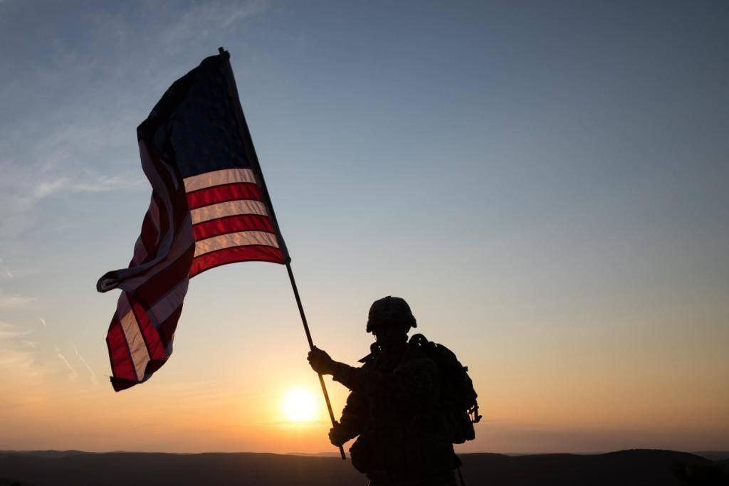 Контингент США вИраке сократят неменее  чем натреть