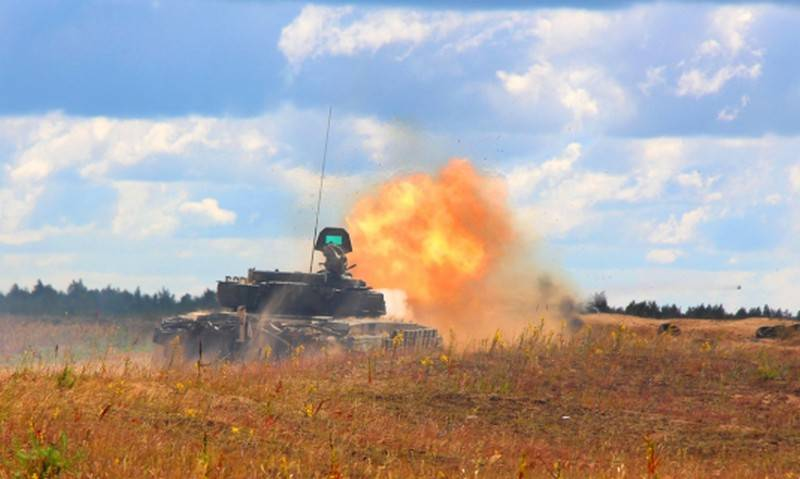 Belarusian tank crews worked out a defensive battle in the western direction