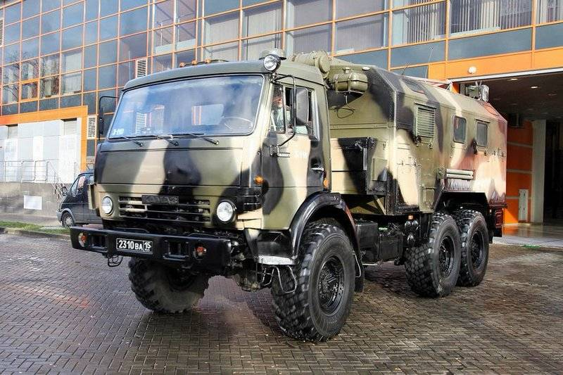 Rosgvardia received a batch of R-142NSA-R command and staff vehicles