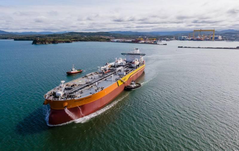 """El petrolero líder """"Vladimir Monomakh"""" del tipo """"Aframax"""" fue a pruebas en el mar"""