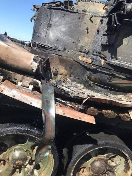 Pictures of the T-90 tank appeared on the network after the ATGM hit during the exercises near Astrakhan