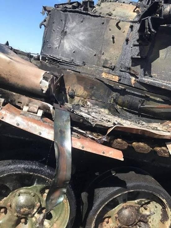 Le immagini del carro armato T-90 sono apparse sulla rete dopo che l'ATGM ha colpito durante gli esercizi vicino ad Astrakhan