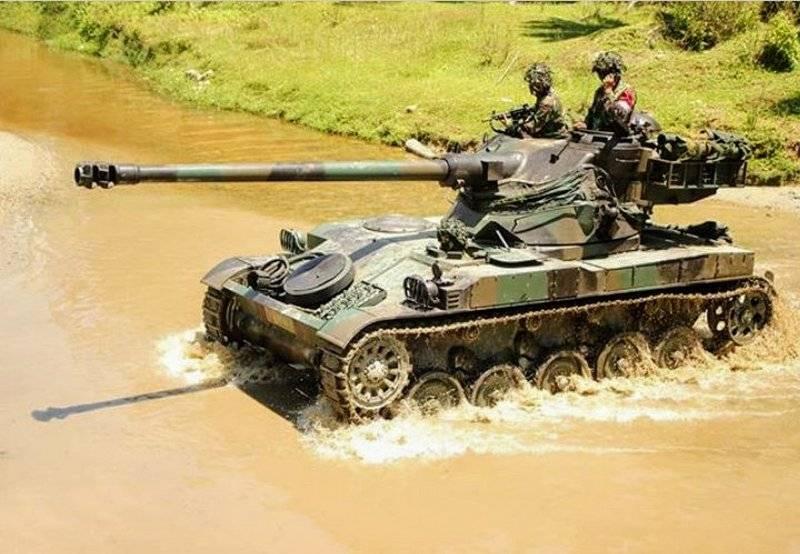 Toujours en service: le char léger AMX-13 vu en action en Indonésie