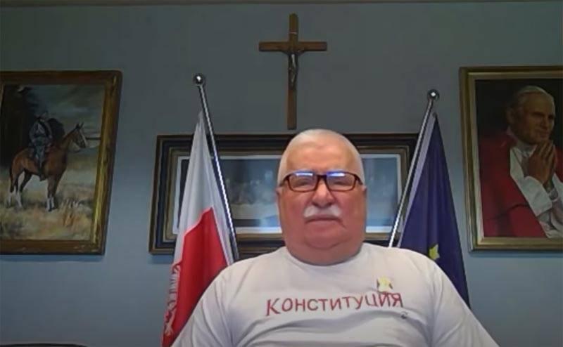 """Polonya'nın Eski Başkanı: """"Beyaz Rusya kışın Avrupa'ya atlarsa, Rusya sadece musluğu kapatır"""""""