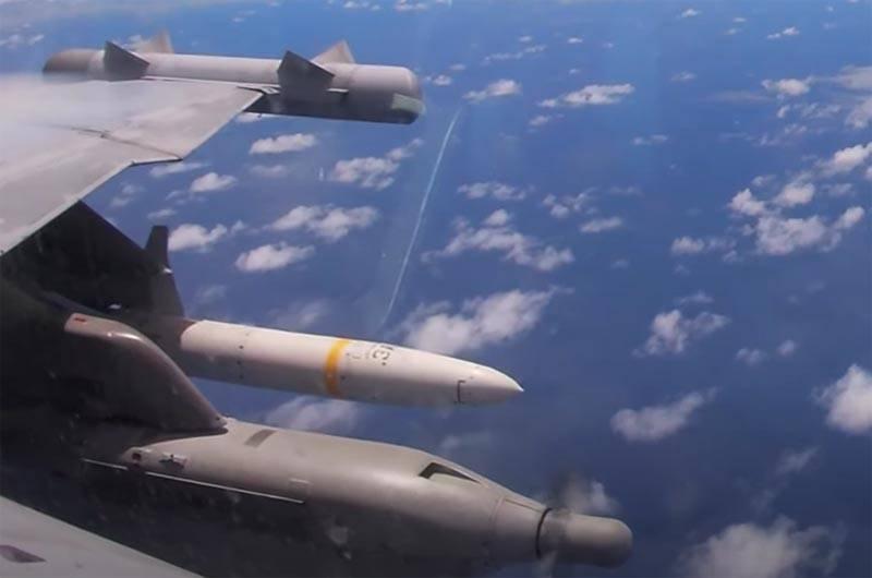 La fregata dismessa Curts è stata mandata a terra da attacchi missilistici durante le esercitazioni dell'esercito americano
