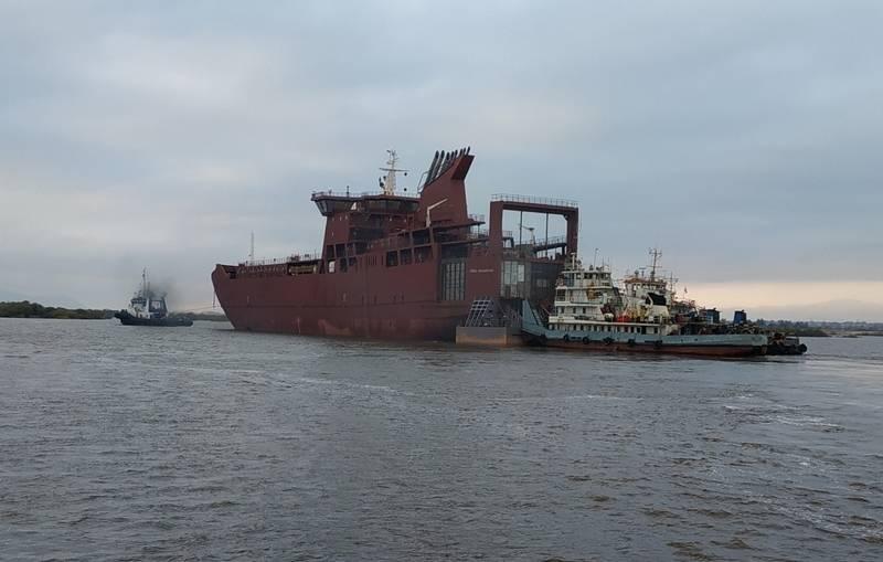 블라디보스토크에서 사할린 행 신규화물-여객선 완공