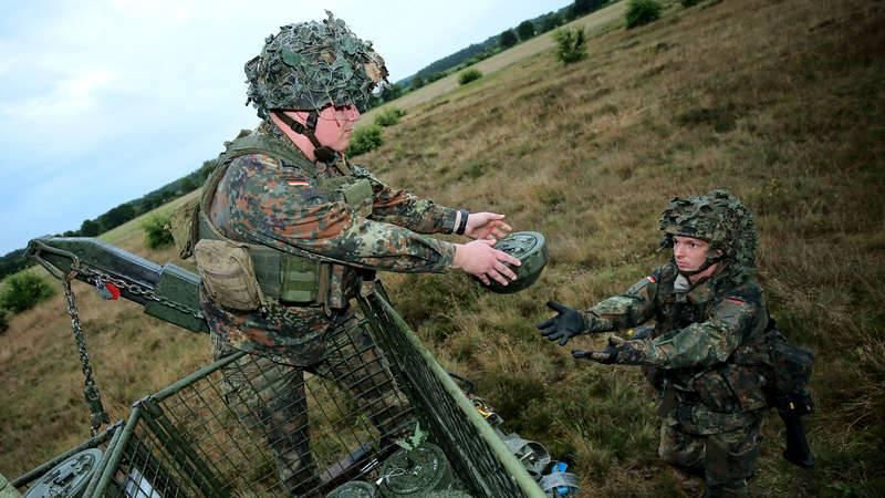 """""""Costumávamos carregá-los em uma mochila"""": minas nas forças aerotransportadas de Bundeswehr"""