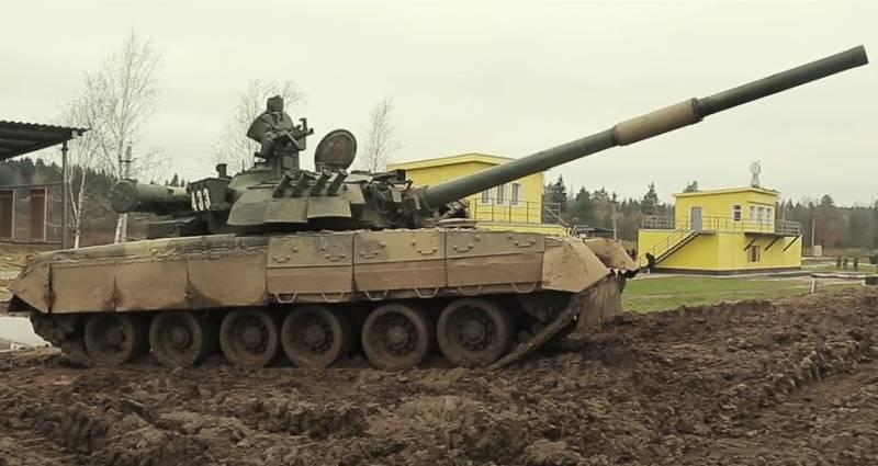 «От элиты до аутсайдера». Military Watch объяснил, почему пакистанские Т-80 ожидает забвение