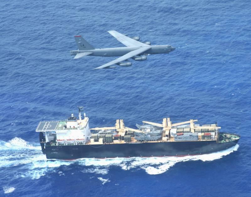 Американские бомбардировщики против кораблей ВМС НОАК и ВМФ России