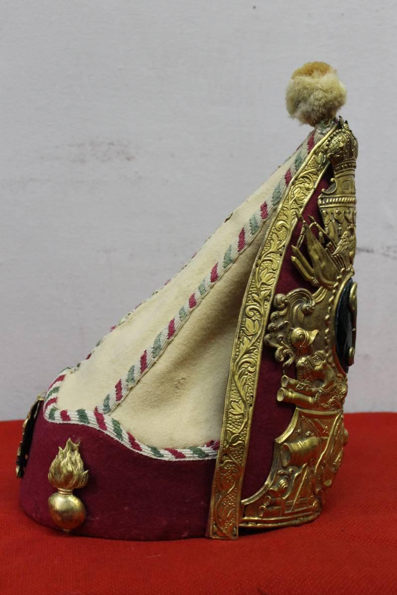 «Налобниками медными блестя…» Гренадерские митры Петра III крупным планом