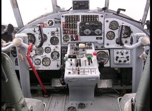 cockpit AN-2