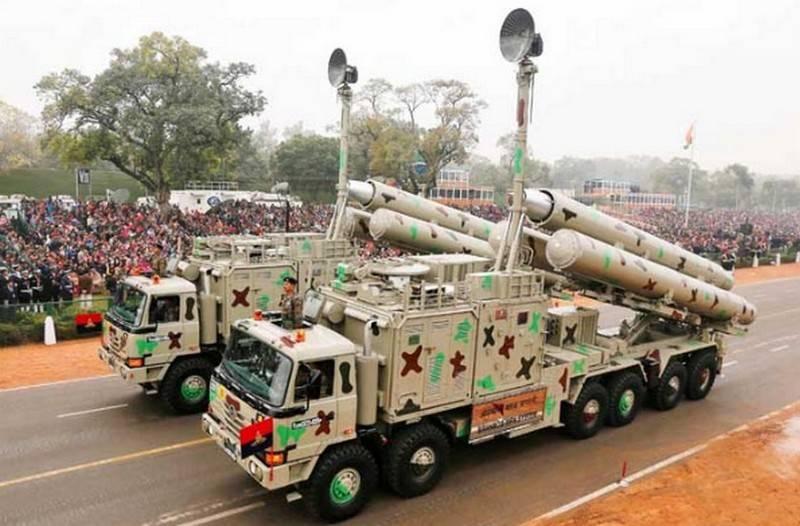 """Il razzo """"BrahMos"""" ha coperto la distanza sul motore indiano"""