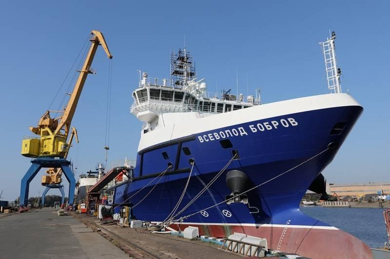 """물류 지원 선박 """"Vsevolod Bobrov""""의 해상 시험 조건"""
