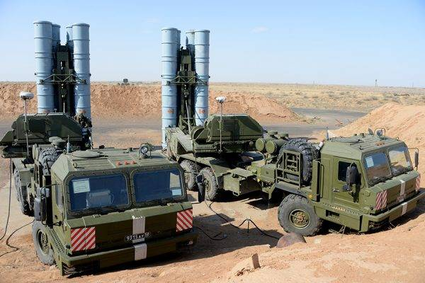 The combat crews of the S-300PT / PS of the Armenian Air Defense Forces are preparing for the worst-case scenario. What is fraught with the involvement of the Azerbaijani Armed Forces with ballistic missiles LORA and KR SOM-1B?