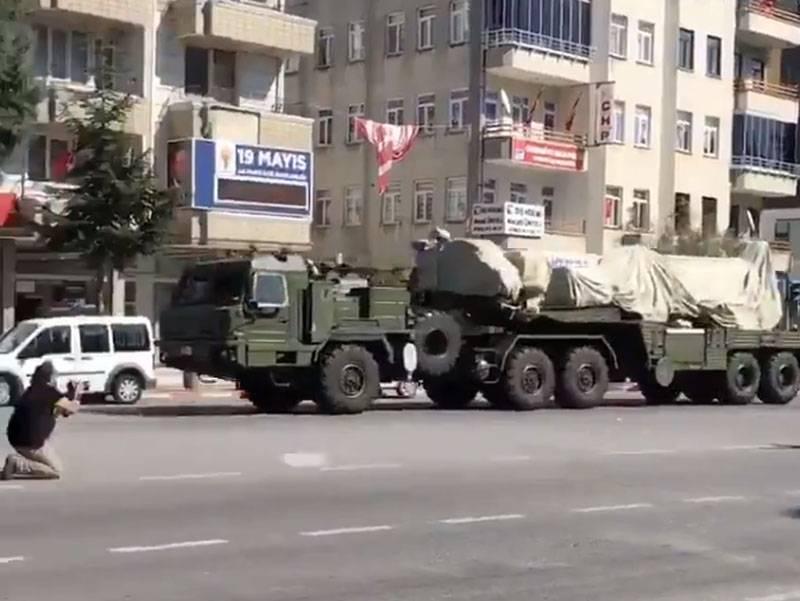 トルコ軍は黒海地域のS-400防空システムを移転します