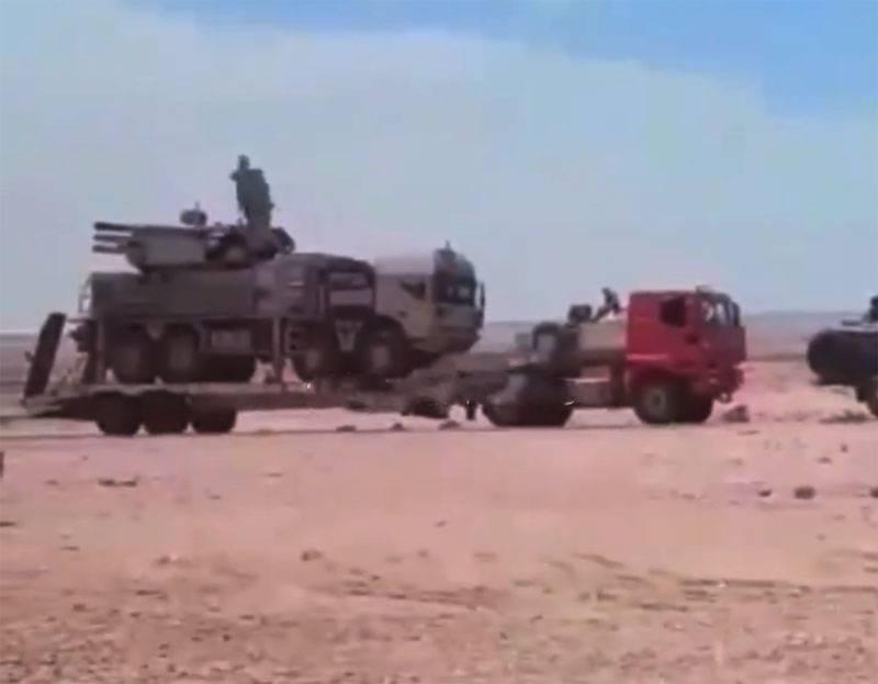 """""""En condiciones de combate, pero en una plataforma automática"""": el trabajo del sistema de misiles de defensa aérea Pantsir en Libia se está discutiendo en línea"""
