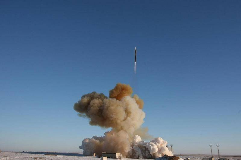The Strategic Missile Forces puts on combat duty two ICBMs with the Avangard hypersonic unit