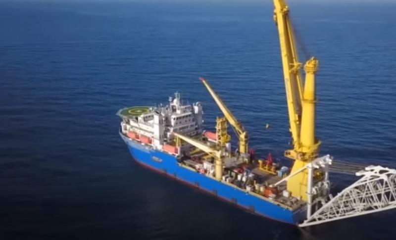""" Akademik Chersky""轮开始为"" Nord Stream-2""号上的工作做准备"