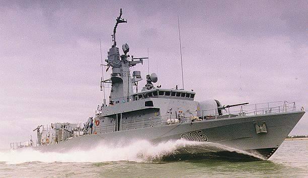 L'un des bateaux de la classe Qatari Vita à pleine vitesse