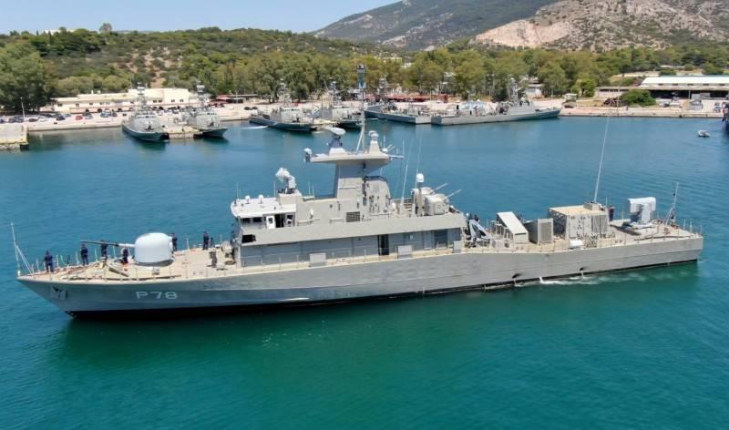 L'un des bateaux grecs du type Super Vita