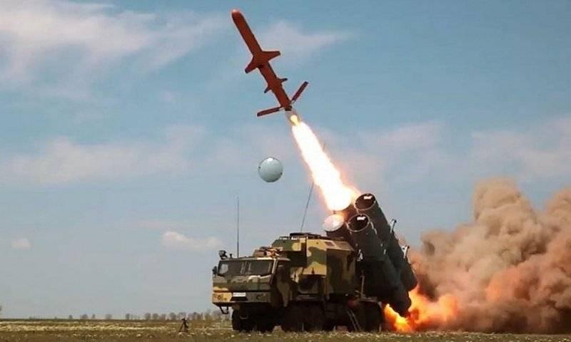 """우크라이나 국방부는 최신 미사일 시스템 """"Neptune""""을 구입하기 위해 서두르지 않습니다."""