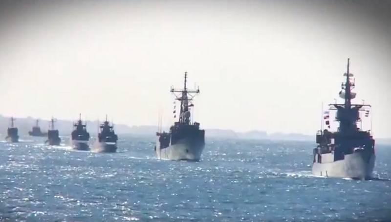 エジプト海軍は「ミストラル」とイスラエル船の破壊に関するビデオを見せた