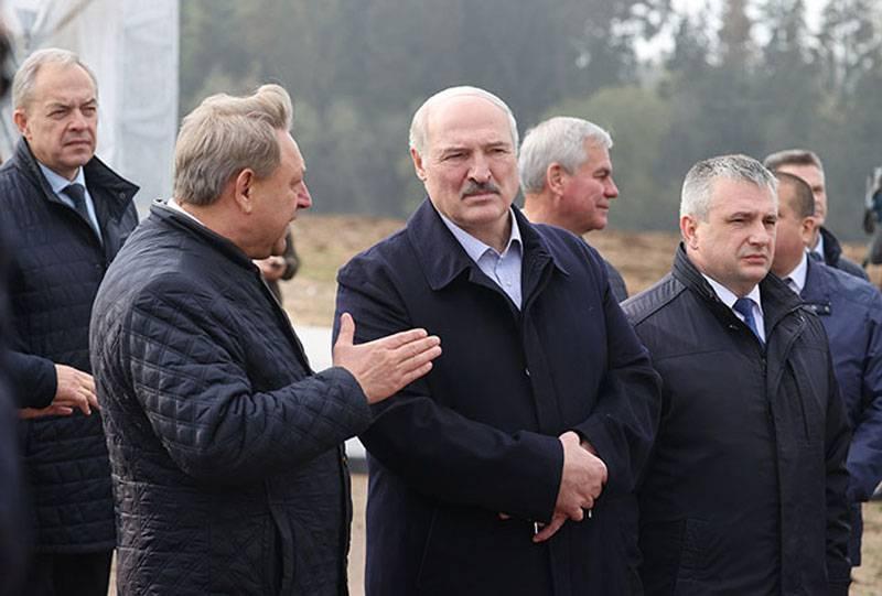 Oposição bielorrussa irritada com os preparativos para manifestação em massa em apoio a Lukashenka