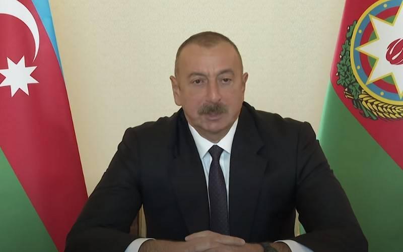 Aliyev nombró las condiciones para el cese de hostilidades en Nagorno-Karabaj