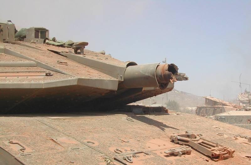 銃身が引き裂かれたイスラエルの戦車「メルカヴァ」の写真がウェブに登場