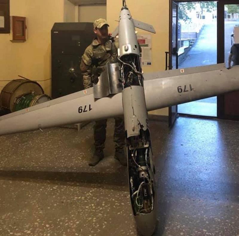 कोडिंग प्रणाली तक पहुंच: नागोर्नो-करबाख की सेना ने अजरबैजान सैनिकों के एक और शॉट ड्रोन को दिखाया