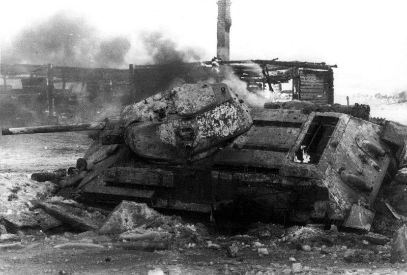 """""""Des fuites d'essence et une combustion spontanée sont possibles!"""" T-34 de """"Red Sormov"""""""