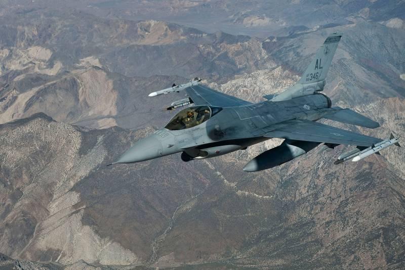 «Боевой сокол» F-16: насколько хорош, если не смотреть на цифры?