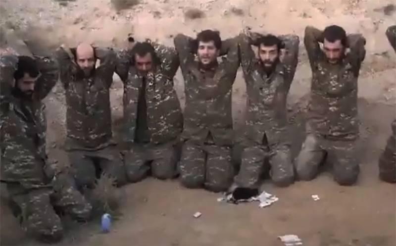 Опубликованы азербайджанские кадры с армянскими военнопленными