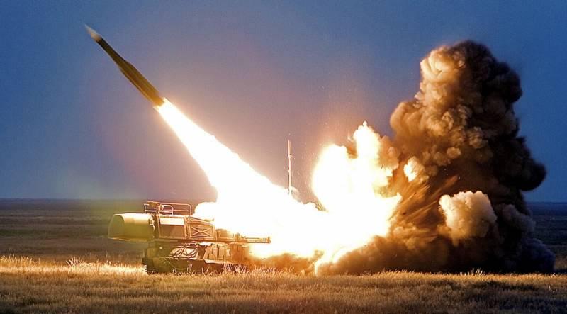 Ключевое событие в небе над Астраханской областью. Натурные испытания ЗУР 9М317МА подтвердили уникальную особенность отечественных ЗРК