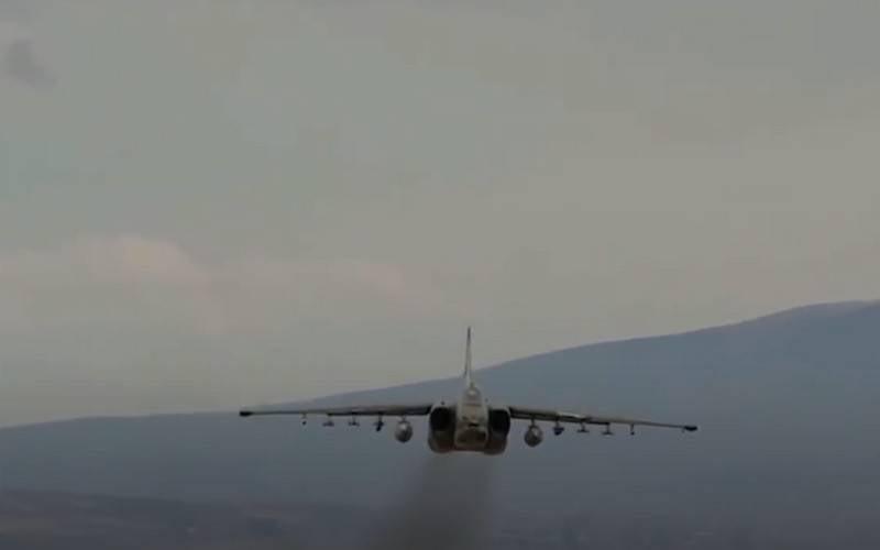 アゼルバイジャンは、アルメニア空軍のダウンしたSu-25を発表しました。 ネットワークは正確に何が撃墜されたかについて話し合っています