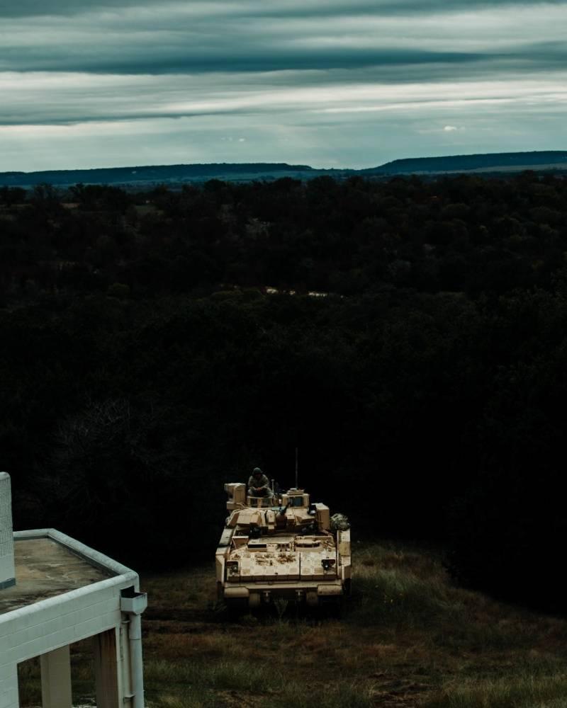 Le nuove modifiche M2 Bradley sono entrate in prove militari