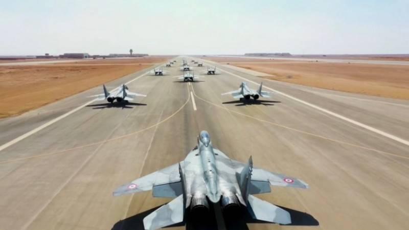 """MiG-29의 가장 전투 준비가 된 버전"": 미국 언론은 알제리로 옮겨진 전투기를 높이 평가했습니다."