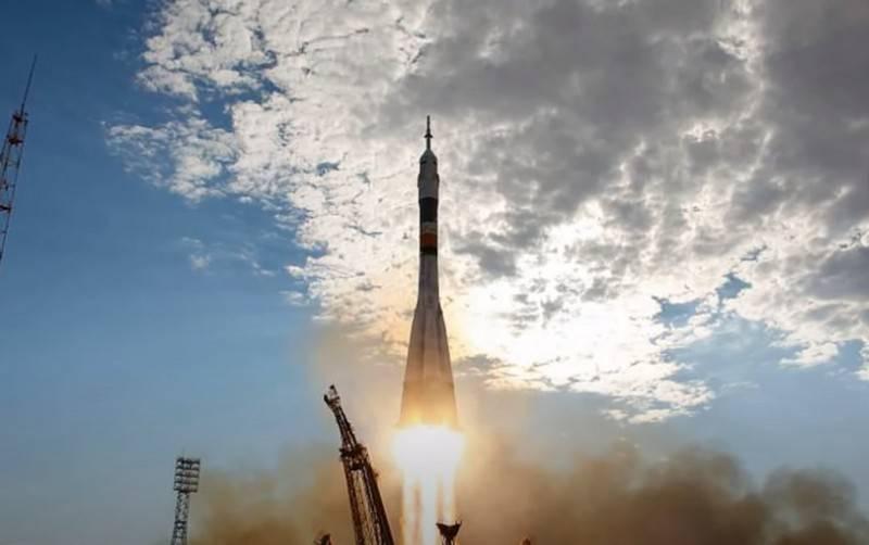"""Roskosmos adiou a entrega do projeto preliminar para o novo complexo espacial """"Soyuz-5"""""""