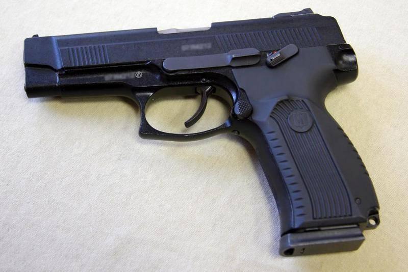 """Os batedores do exército de armas combinadas das Forças de Defesa Aérea receberam o primeiro lote de pistolas """"Grach"""""""