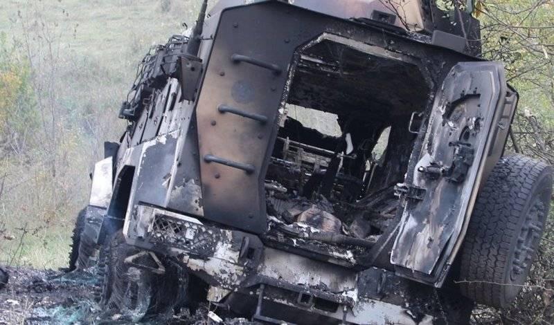Fotos und Videos vom Ort der Niederlage der Kolonne der aserbaidschanischen Spezialeinheiten erschienen im Internet