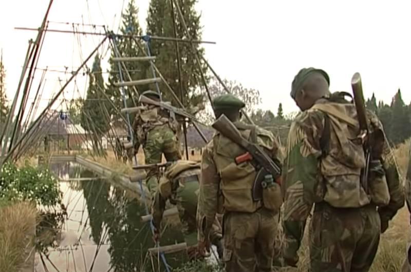 Com um toque local: treinamento das forças especiais do Zimbábue