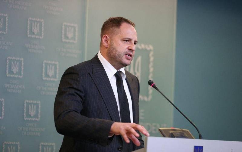 Dans le bureau de Zelensky: ils nous font peur avec une guerre pour l'eau en Crimée