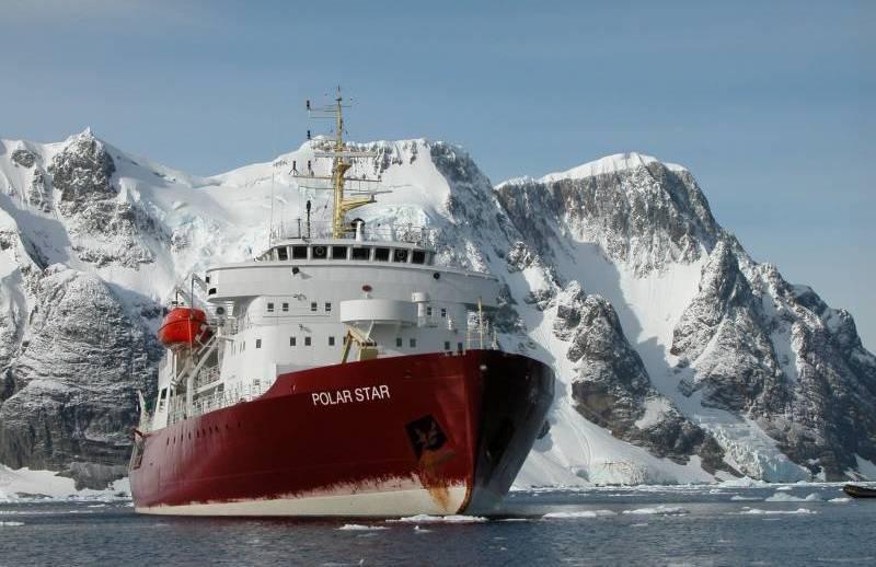 미국, 낡은 쇄빙선으로 북극에서 러시아에 맞서다