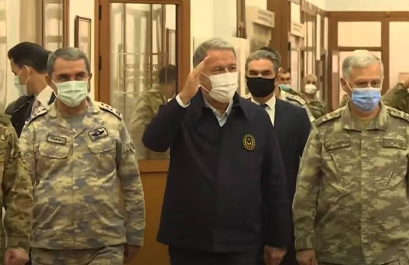 「私は上司のように感じました」:専門家は、トルコ国防相のアゼルバイジャニ国防省中央司令部への訪問を評価しました